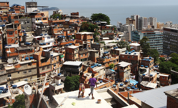 Slum「Rio's Pacified Favelas Face Challenges Ahead Of World Cup」:写真・画像(15)[壁紙.com]