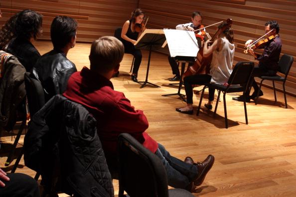 Joshua Roberts「Mivos Quartet」:写真・画像(1)[壁紙.com]