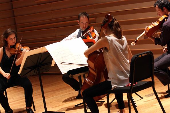 Joshua Roberts「Mivos Quartet」:写真・画像(0)[壁紙.com]