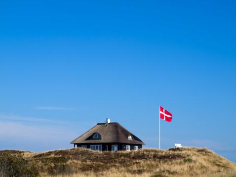 Jutland「Typical Danish cottage」:スマホ壁紙(1)