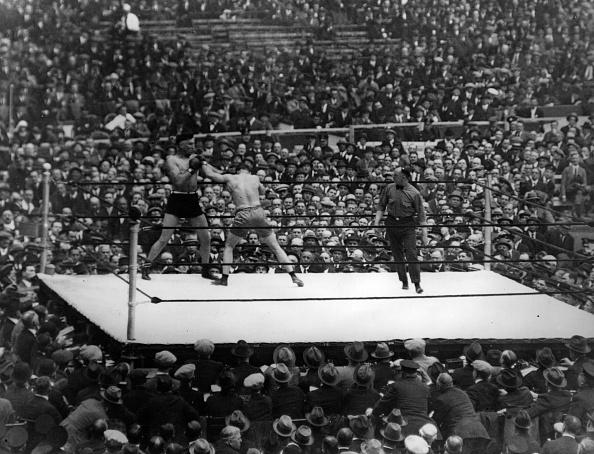 Boxing Ring「Avoiding A Punch」:写真・画像(6)[壁紙.com]
