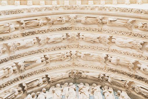 Nouvelle-Aquitaine「France, Gironde, Bordeaux, Ornate details of Door of Arrows」:スマホ壁紙(9)