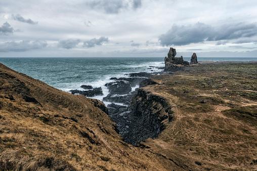 岩「Rock formations near ocean, Hellissandur, Snaellsnes peninsula, Iceland」:スマホ壁紙(14)