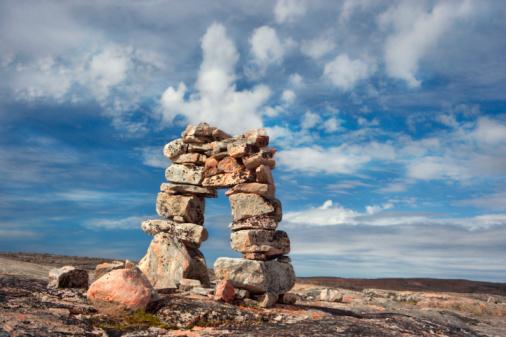 Baffin Island「Rock formations, Old Inukshuk, Baffin Island, Nunavut, Canada」:スマホ壁紙(17)