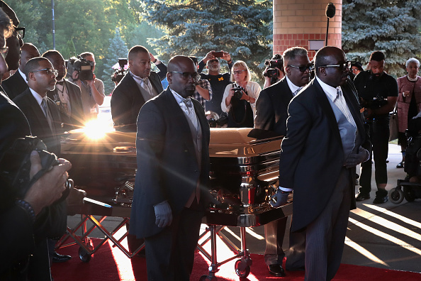 Funeral「Soul Music Icon Aretha Franklin Honored During Her Funeral By Musicians And Dignitaries」:写真・画像(4)[壁紙.com]