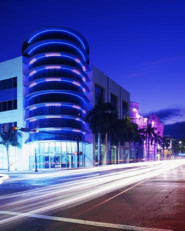 Miami Beach「マイアミのサウスビーチのナイトライフの建築ネオン旅行地」:スマホ壁紙(15)