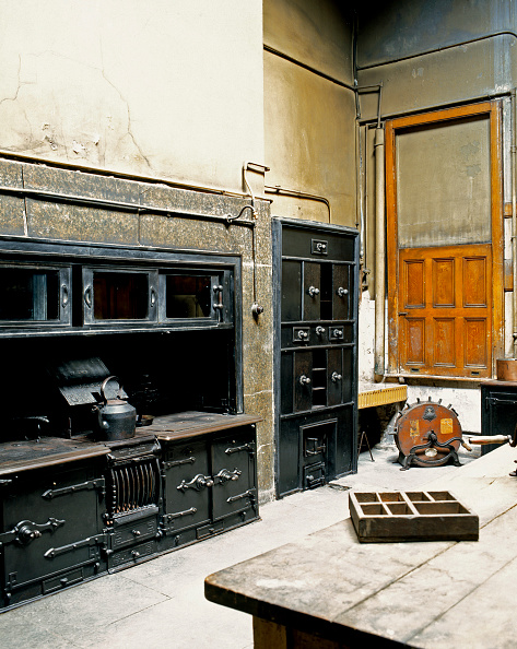 Kitchen「Old kitchen in an English mansion in renovation process」:写真・画像(2)[壁紙.com]