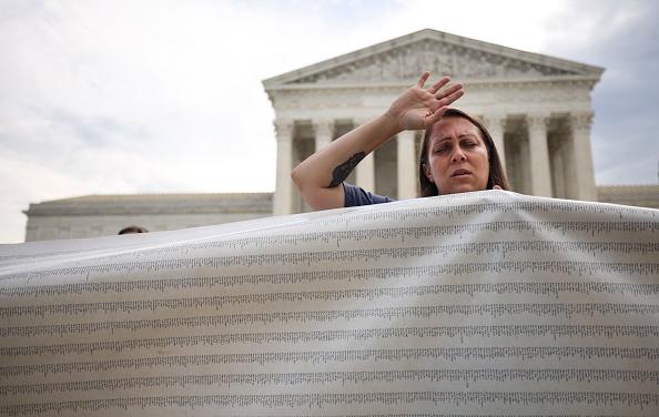 Bestof「Pro-Choice And Anti-Abortion Protestors Rally At U.S. Supreme Court」:写真・画像(16)[壁紙.com]