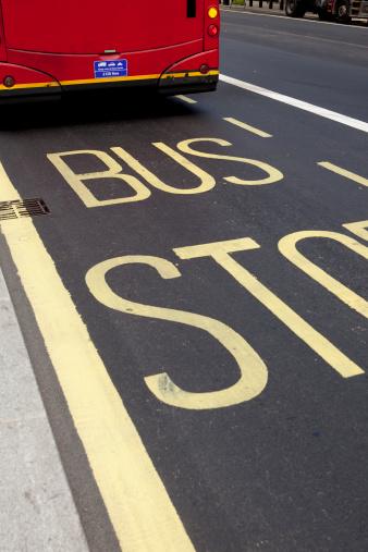 Oxford Street - London「Bus stop」:スマホ壁紙(18)
