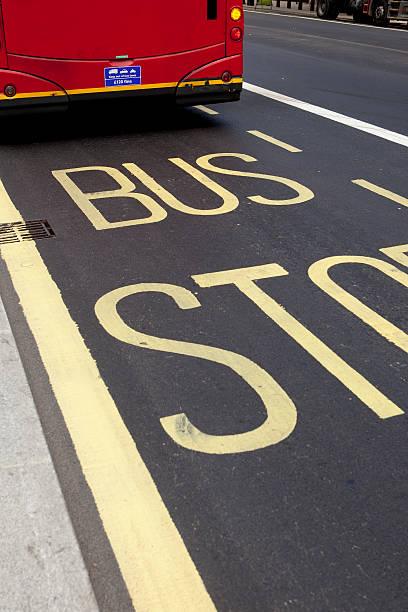 Bus stop:スマホ壁紙(壁紙.com)