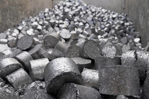 豊富「Aluminium in a scrap metal recycling plant」:スマホ壁紙(16)