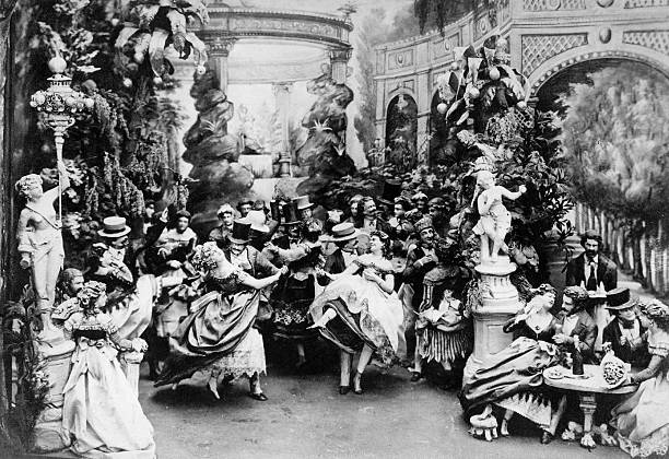 the Moulin Rouge ball c. 1900 in Paris:ニュース(壁紙.com)