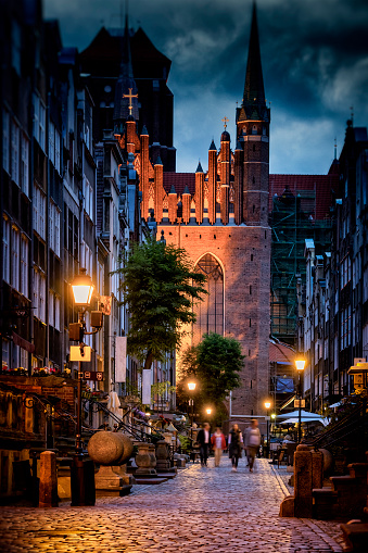 Baroque Style「Mariacka Street in Old Town by night, Gdansk, Poland」:スマホ壁紙(6)