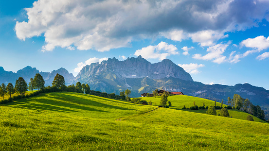 Ellmau「Idyllic alpine scenery, farmhouse in front of Wilder Kaiser, Austria, Tirol  - Kaiser Mountains」:スマホ壁紙(0)