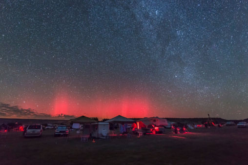 Party - Social Event「A rare aurora display over Okalahoma during the Okie-Tex Star Party.」:スマホ壁紙(9)