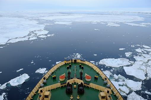 Pack Ice「Bow of Icebreaker on the way through the pack ice」:スマホ壁紙(0)