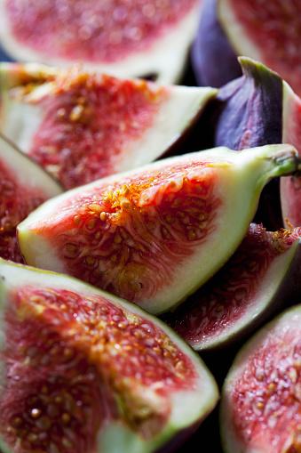 米国硬貨「Quarters of fresh figs, close-up」:スマホ壁紙(16)