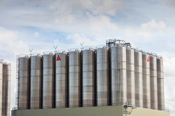 Greenhouse Gas「A polyethylene plant at the Grangemouth oil refinery, Scotland, UK.」:写真・画像(4)[壁紙.com]