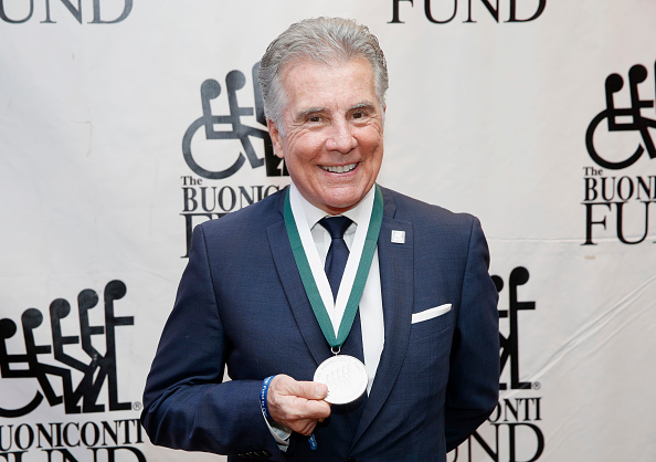 出席する「32nd Annual Great Sports Legends Dinner To Benefit The Miami Project/Buoniconti Fund To Cure Paralysis - Dinner」:写真・画像(15)[壁紙.com]