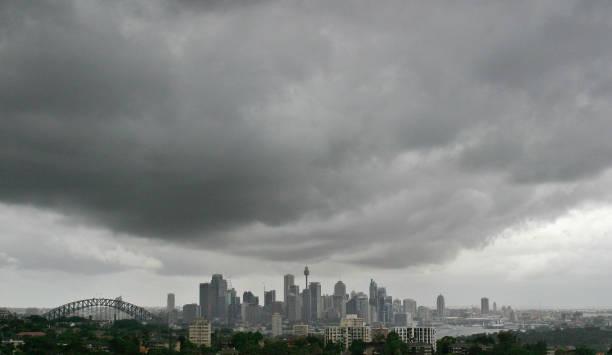 Rain Clouds Loom Over Sydney skyline:ニュース(壁紙.com)