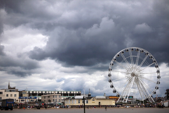 Weston-super-Mare「The Coldest Summer In Parts Of The UK For Nearly 20 Years」:写真・画像(6)[壁紙.com]