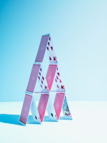 Pyramid Shape「House of playing cards」:スマホ壁紙(11)