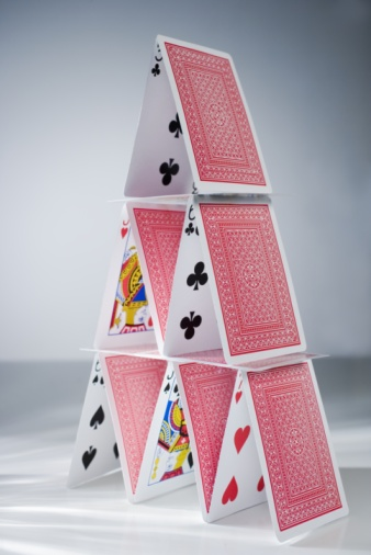 Pyramid Shape「House of playing cards」:スマホ壁紙(16)