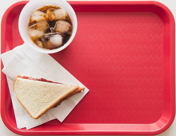 Sandwich and soda on tray:スマホ壁紙(壁紙.com)