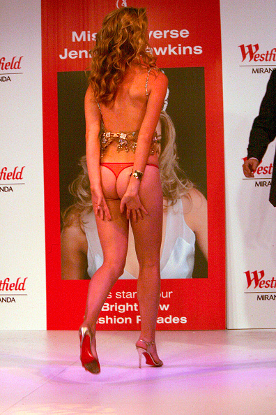 Thong「Jennifer Hawkins Models Spring Fashion」:写真・画像(17)[壁紙.com]