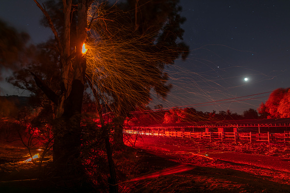 """Southern California「""""Extreme"""" Santa Ana Winds Spark New Wildfires In Southern California」:写真・画像(14)[壁紙.com]"""