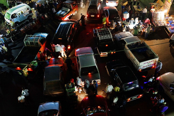 Middle East「Cairo Residents Shop for Supplies on Eve of Ramadan」:写真・画像(6)[壁紙.com]