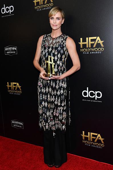 Embellished Dress「23rd Annual Hollywood Film Awards - Press Room」:写真・画像(9)[壁紙.com]