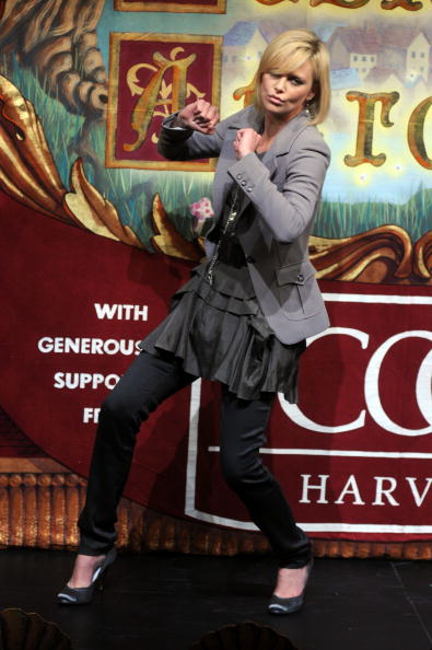 Vitality「Charlize Theron is Hasty Pudding Awards 2008 Woman of the Year」:写真・画像(1)[壁紙.com]