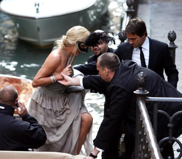 Masquerade Mask「Salma Hayek And Francois-Henry Pinault Celebrate Second Wedding In Venice」:写真・画像(5)[壁紙.com]