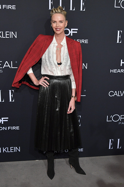Skirt「ELLE's 25th Annual Women In Hollywood Celebration Presented By L'Oreal Paris, Hearts On Fire And CALVIN KLEIN - Red Carpet」:写真・画像(7)[壁紙.com]