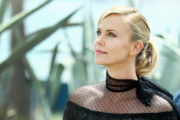 """Charlize Theron「""""Mad Max: Fury Road"""" Photocall - The 68th Annual Cannes Film Festival」:写真・画像(19)[壁紙.com]"""