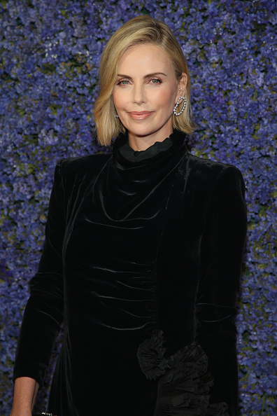 Charlize Theron「Caruso's Palisades Village Opening Gala - Arrivals」:写真・画像(12)[壁紙.com]