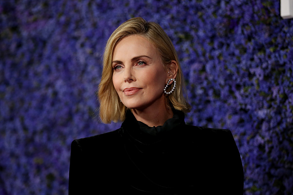 Charlize Theron「Caruso's Palisades Village Opening Gala - Arrivals」:写真・画像(0)[壁紙.com]