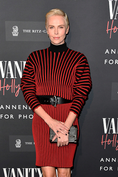 Louis Vuitton Purse「Vanity Fair: Hollywood Calling - The Stars, The Parties And The Power Brokers - Arrivals」:写真・画像(19)[壁紙.com]