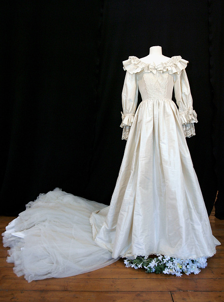 Repetition「Princess Dianas Other Wedding Dress For Auction」:写真・画像(1)[壁紙.com]