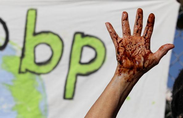 University of California「Environmental Groups Protest BP Oil Spill In Gulf Of Mexico」:写真・画像(6)[壁紙.com]