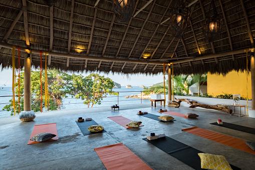 Relaxation Exercise「Mexico, Puerto Vallarta, Mismaloya, Luxury yoga retreat」:スマホ壁紙(18)