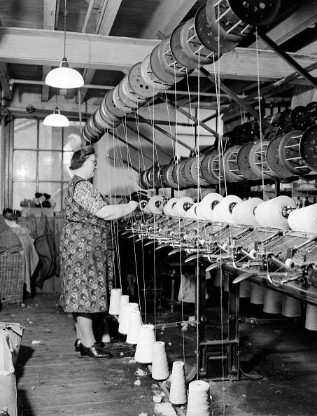 Machinery「Rewinding Yarn」:写真・画像(0)[壁紙.com]