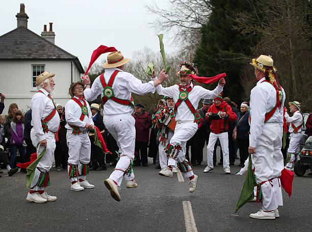 Morris Men Perform At Traditional Boxing Day Event:ニュース(壁紙.com)