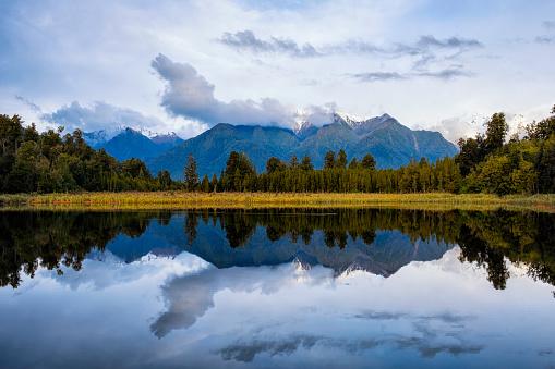 Lake Matheson「Evening Light At Lake Matheson In New Zealand」:スマホ壁紙(14)