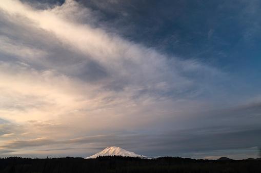 アダムス山「Evening Light on Mt. Adams」:スマホ壁紙(3)