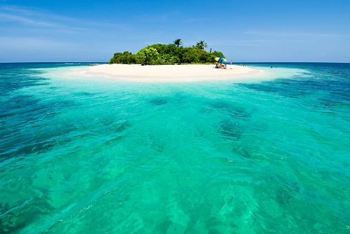 Island「Lonely tropical island in the Caribbean」:スマホ壁紙(11)