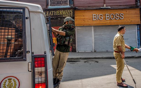 Perching「India Revokes Kashmir's Special Status」:写真・画像(6)[壁紙.com]