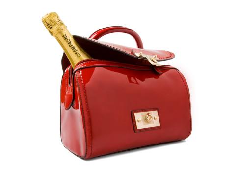 Purse「A bottle of Champagne in a red handbag.」:スマホ壁紙(12)