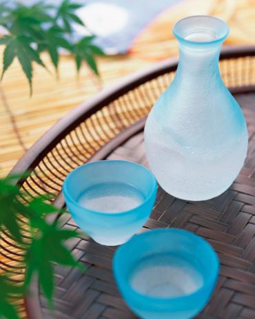 清酒「Bottle of cold sake」:スマホ壁紙(19)